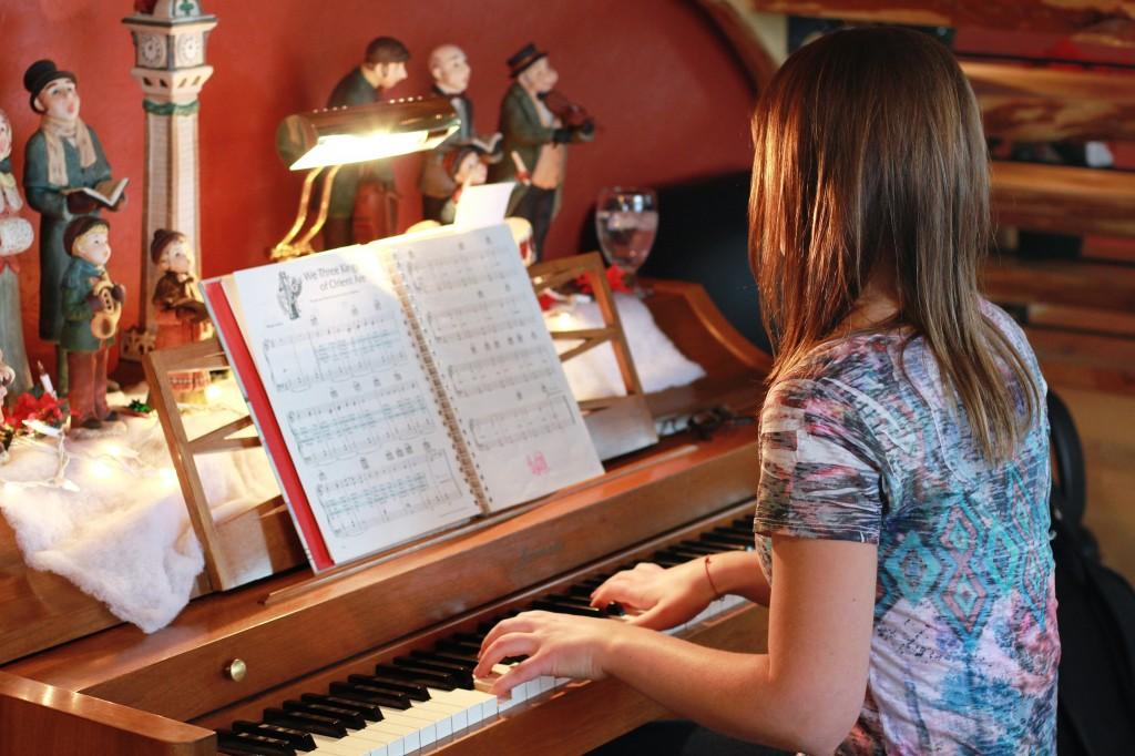 Coteau des Prairies Lodge Piano